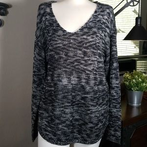 RD Style Black and White Sweater Size L